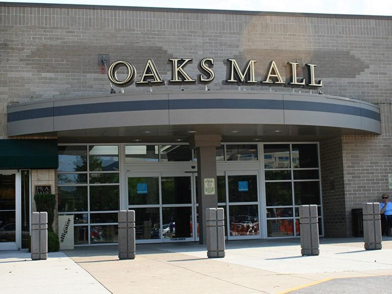 Oaks Mall - Book Signing